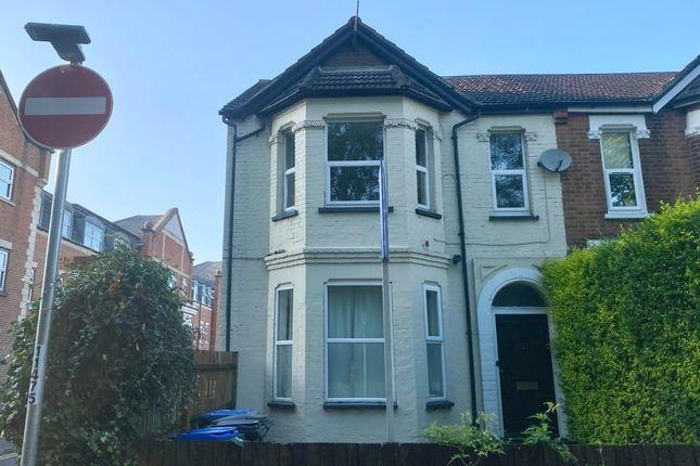 Thumbnail Flat to rent in Maybury Road, Woking