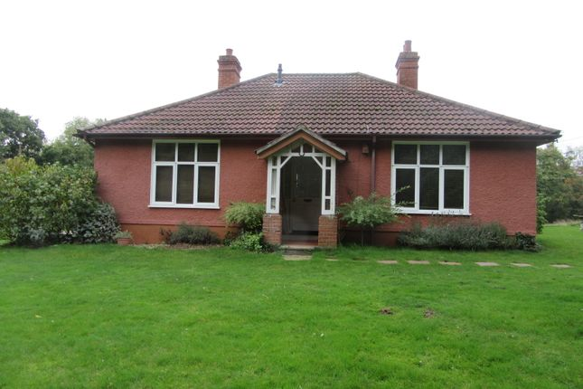 Thumbnail Bungalow to rent in Flixton Road, Flixton