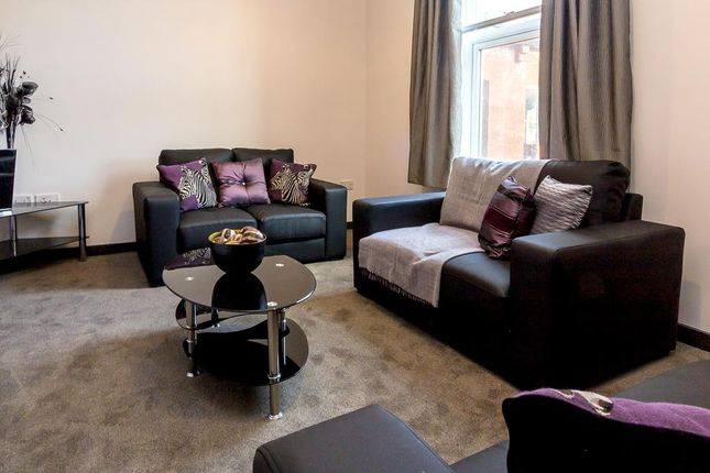 Thumbnail Flat to rent in Arndale Centre, Otley Road, Headingley, Leeds