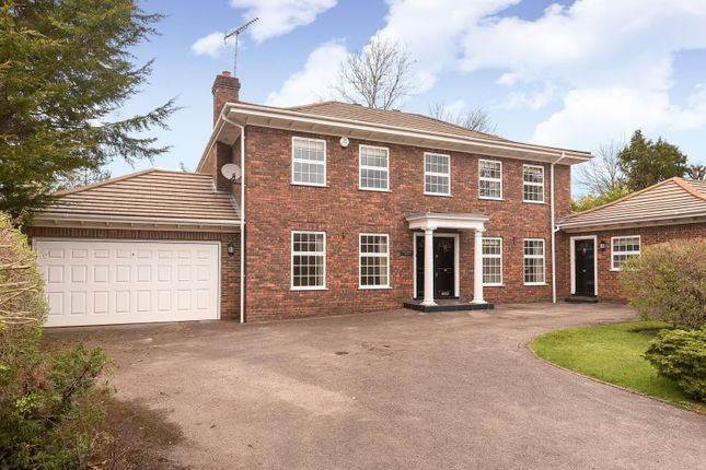 Thumbnail Detached house to rent in Coombe Vale, Gerrards Cross