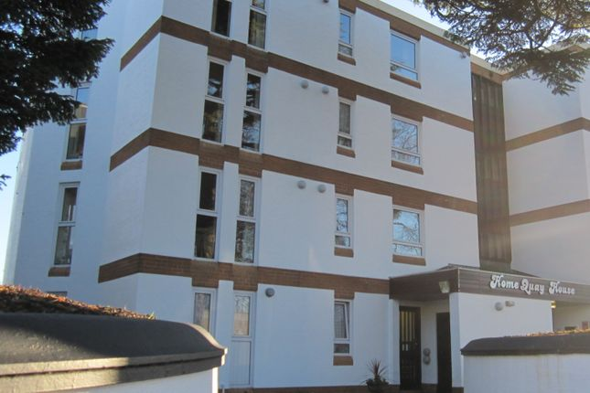 Thumbnail Flat to rent in Falkland Road, Torquay