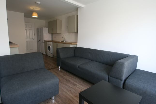 Thumbnail Room to rent in St Paul's Road, Southsea
