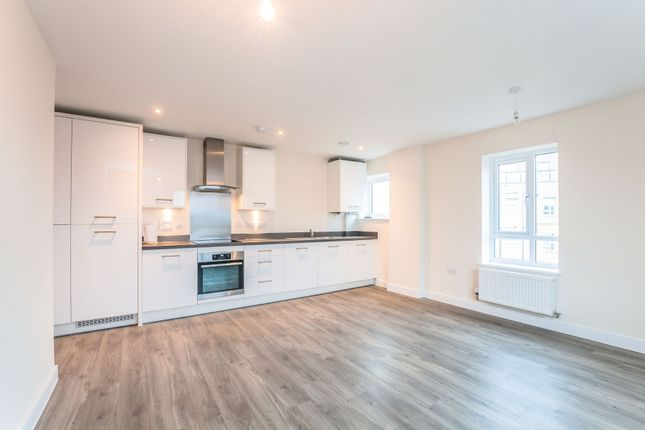 Thumbnail Flat to rent in Fleming Place, The Quarters, Bracknell