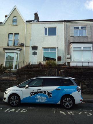 Flat to rent in King Edward Rd, Brynmill, Swansea