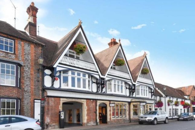 Thumbnail Flat to rent in Thameside, Henley-On-Thames