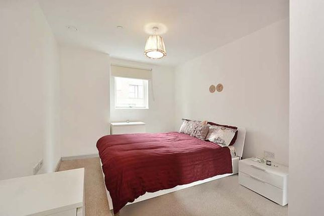 Bedroom of 17 Bessemer Place, London SE10