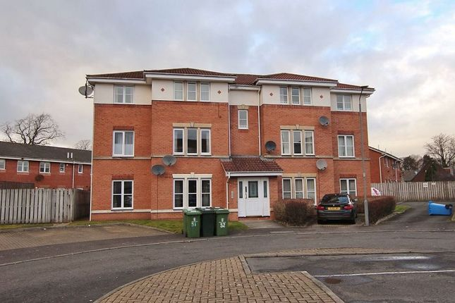 Thumbnail Flat to rent in Sir William Wallace Court, Larbert