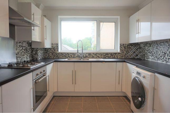 2 bed flat to rent in Eldon Avenue, Borehamwood WD6