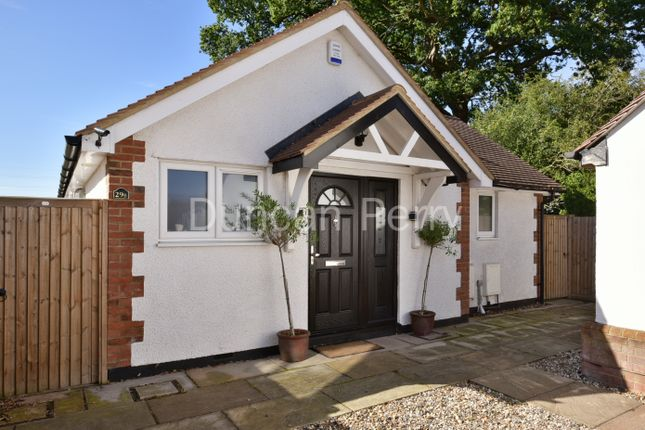 Thumbnail Detached bungalow for sale in Oakroyd Avenue, Potters Bar, Herts