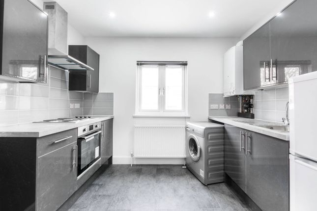 Thumbnail Flat to rent in Buckingham Road, Muswell Hill