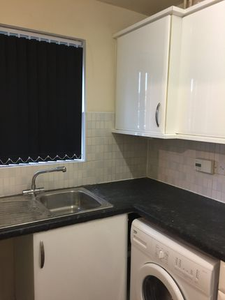 Thumbnail Town house to rent in Swan Lane, Coventry