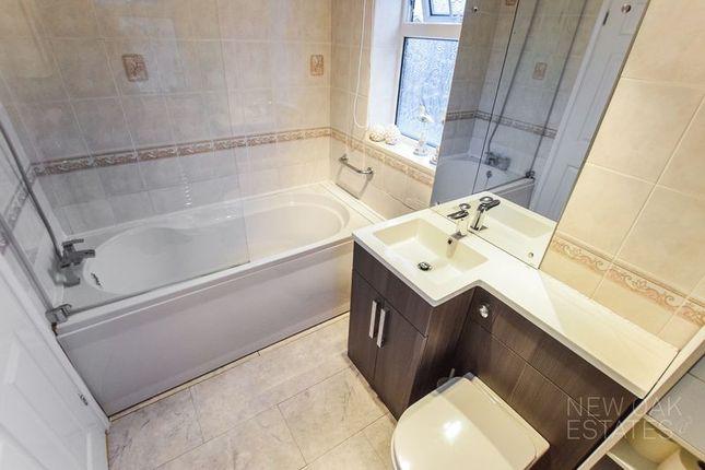 Bathroom of Chapman Lane, Grassmoor, Chesterfield S42