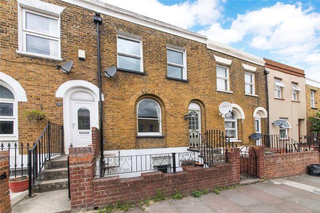 Picture No. 13 of Wellington Street, Gravesend, Kent DA12