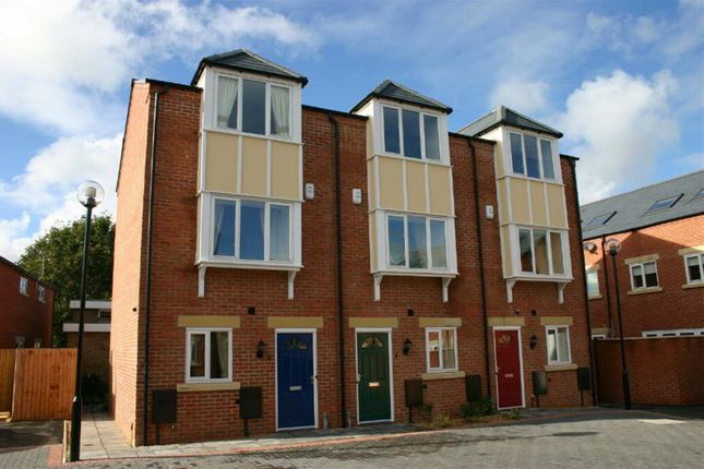 Thumbnail Town house to rent in Dawson Court, Oakham