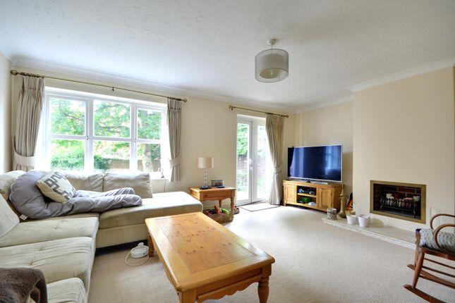 Detached house to rent in Pine Trees Drive, Ickenham, Uxbridge