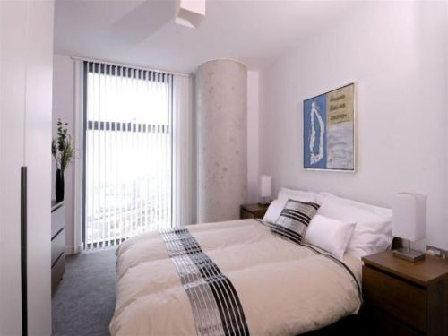 Thumbnail Flat to rent in West Tower, Brook Street, Liverpool