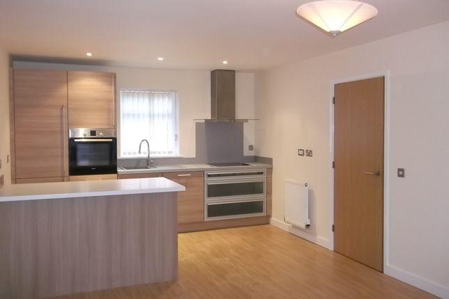 Thumbnail Flat to rent in Hamilton Mews, Belle Vue, Doncaster
