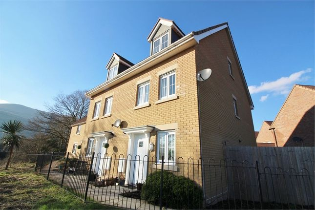 4 bed town house for sale in 13 Company Farm Drive, Llanfoist, Abergavenny, Monmouthshire