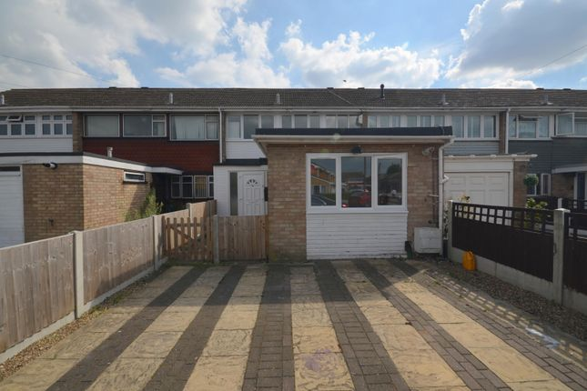 Thumbnail Property to rent in Stansted Close, Hornchurch