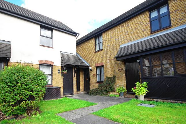 1 bed terraced house to rent in Hyacinth Close, Hampton