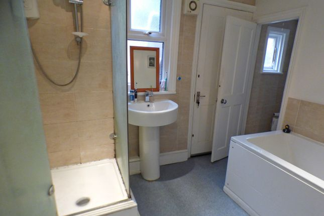 Bathroom of Squires Lane, Finchley Central, London N3