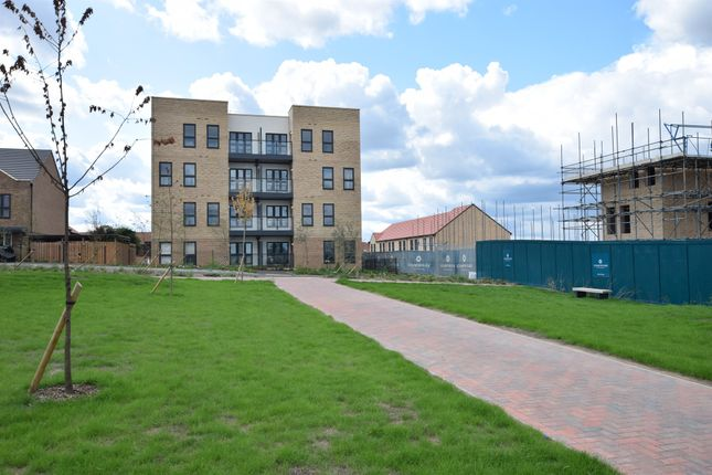 Thumbnail Flat for sale in Iceni Square, Harlow