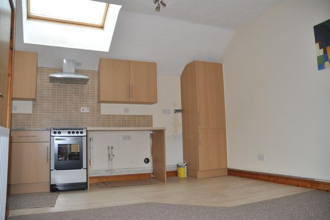Thumbnail Property to rent in Holborn Road, Holyhead