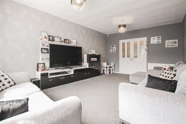 4 bed semi-detached bungalow for sale in Kateholm, Bacup OL13