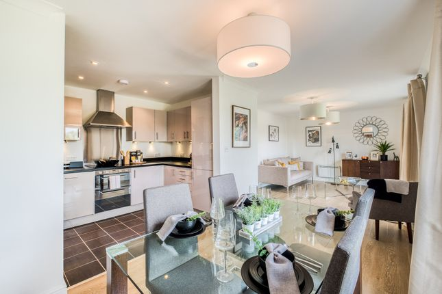 Thumbnail Flat for sale in Andrews Close, Warwick