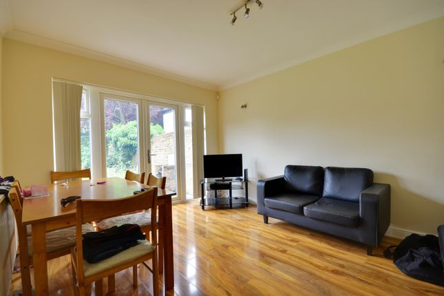 Thumbnail Bungalow to rent in Harlington Road, Uxbridge, Middlesex