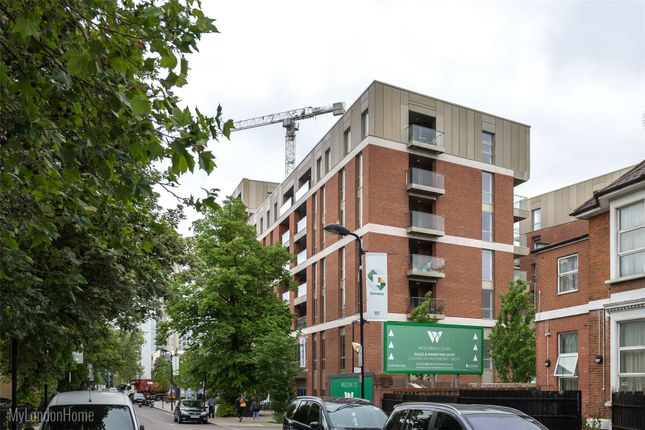 Thumbnail Flat for sale in Sandpiper, Woodberry Down, Finsbury Park, London