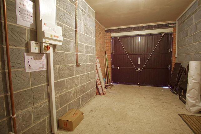 Side Garage of Fallow Avenue, Cottam, Preston PR4