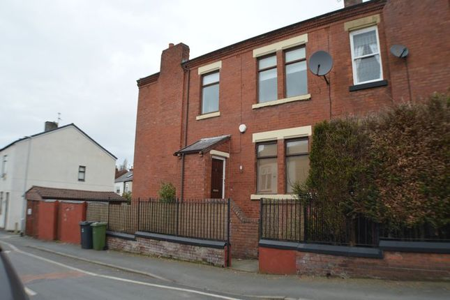 Thumbnail Semi-detached house to rent in Fountain Street, Hyde