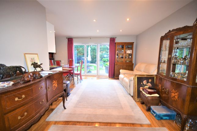 1 bed detached house to rent in Barnaby Way, Chigwell IG7