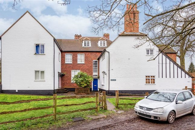 Front Picture of Cannon Court, 50 Cannon Grove, Leatherhead KT22