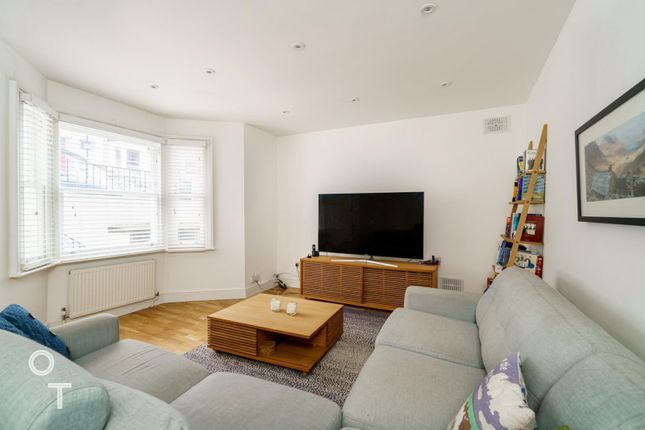 Thumbnail Flat to rent in Corinne Road, Tufnell Park