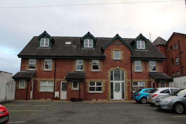 Thumbnail Flat to rent in Beersbridge Road, Belfast