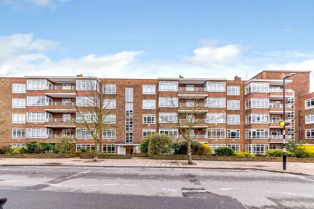 Thumbnail Flat for sale in Hillbrow, Richmond Hill, Richmond
