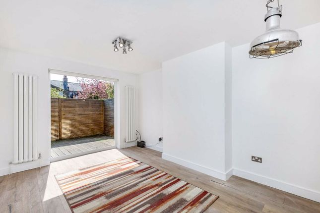 2 bed maisonette for sale in Cambray Road, London SW12