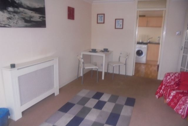 Thumbnail Flat to rent in Mill Court, Rutherglen, South Lanarkshire
