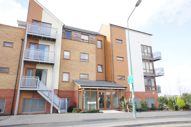 Thumbnail Flat to rent in Evelyn Walk, Greenhithe, Kent
