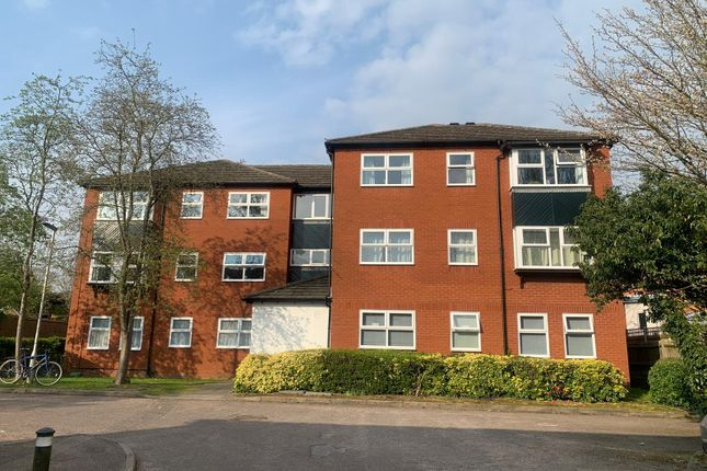 2 bed flat for sale in Lime Tree Place, St.Albans AL1