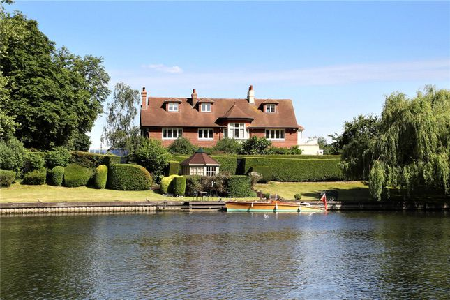 Thumbnail Equestrian property for sale in River Road, Taplow, Maidenhead, Berkshire