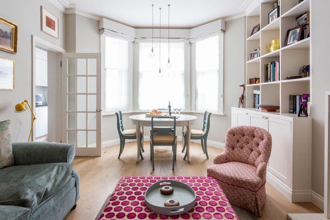Flat to rent in Rosary Gardens, London