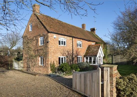 Thumbnail Detached house for sale in Dunton Road, Leighton Buzzard, Buckinghamshire