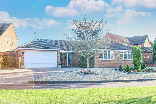 3 bed detached bungalow for sale in Blackmoor Gate, Furzton, Milton Keynes, Bucks MK4