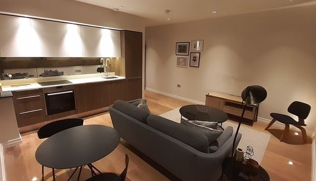 Photo 4 of One Bedroom Flat For Sale, Lawn Lane, London SW8