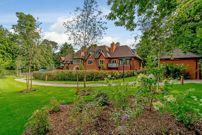 Thumbnail Flat for sale in Penthouse, Birchcroft, Ascot, Berkshire