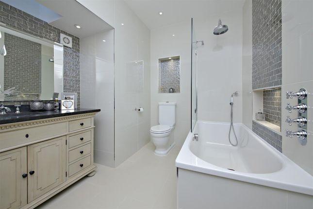 En-Suite 2 of Newlands Avenue, Radlett WD7