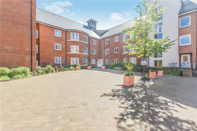Thumbnail Flat for sale in Quakers Court, Abingdon, Oxfordshire
